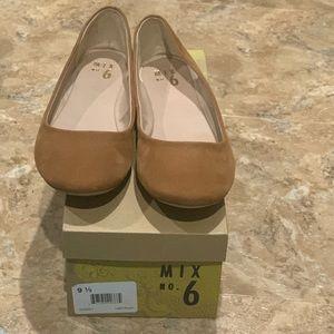Tan Flats - Size 9.5